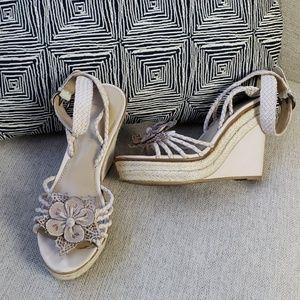 B. Makowsky wedge sandal